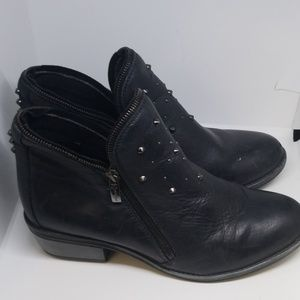 Eric Michael double zipper booties 39